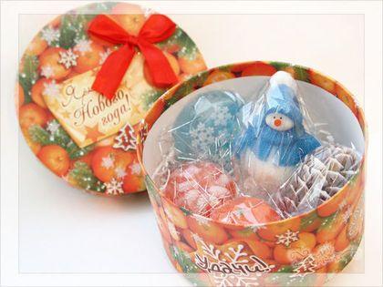 Подарочные наборы мыла - вам нужен набор в подарок и Вы хотите чтобы он был красиво упакован? Все просто! Вы выбираете мыло, а я предлагаю подходящую по размеру подарочную упаковку) В наличии очень красивые новогодние коробки и плотные пакеты для наборов от 2 до 14 изделий!