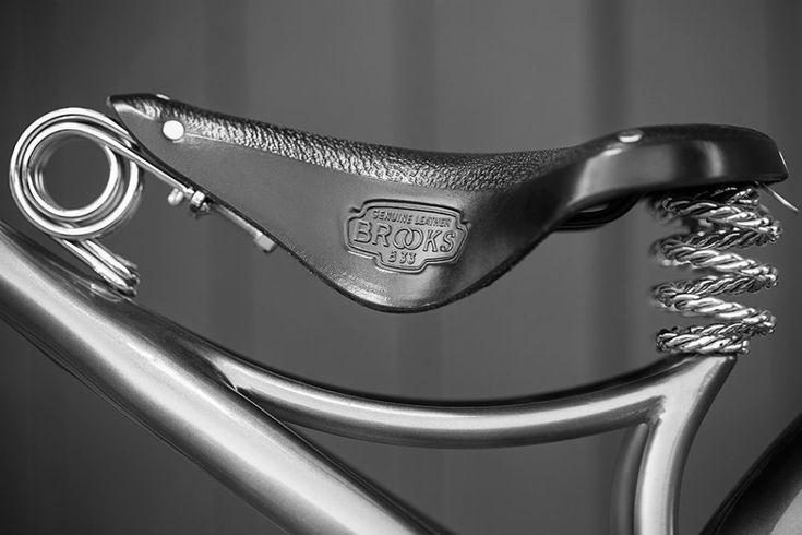 La Ono Archont es una imponente bicicleta con dos versiones, convencional y eléctrica: esta última está limitada a 80 kilómetros por hora.