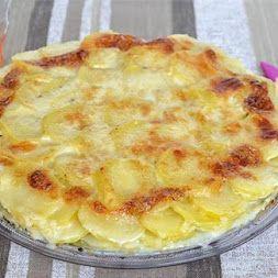 Buon pranzo! Parmigiana di patate  Ingredienti per 6 persone: 1 kg di patate…