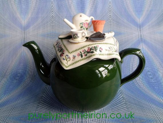 Or a teapot with another teapot on top. | 22 Impossibly Cute Ways To Drink Your Tea