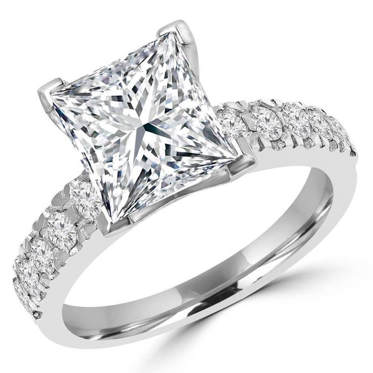 Bijoux Majesty - Princess Cut Diamond Multi-Stone V-Prong Engagement Ring with Round Diamond Accents in White Gold -