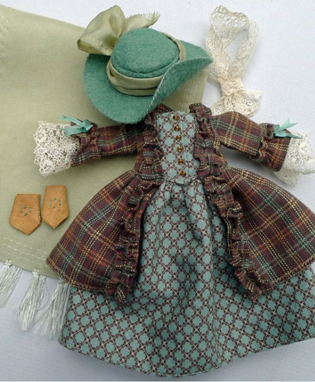 Beautiful Hitty outfit by Robin of Islecroft. March 2014.