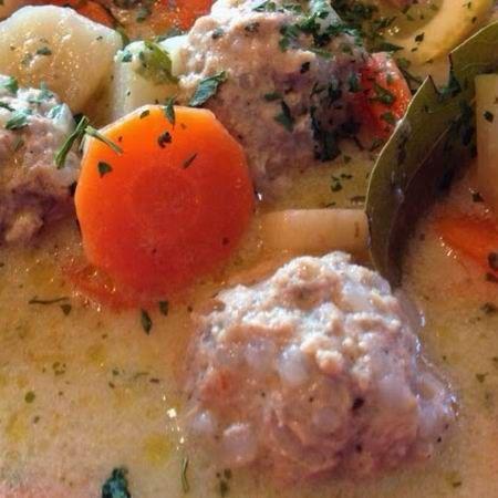 Egy finom Erdélyi csorba húsgombóccal ebédre vagy vacsorára? Erdélyi csorba húsgombóccal Receptek a Mindmegette.hu Recept gyűjteményében!