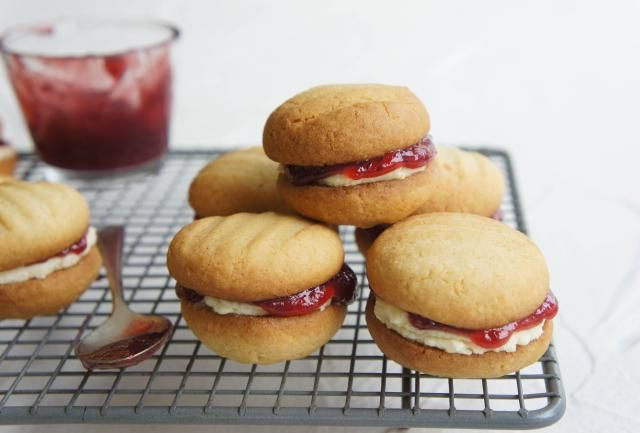 These are an old fashioned mouth-watering biscuit filled with raspberry jam and a vanilla cream.