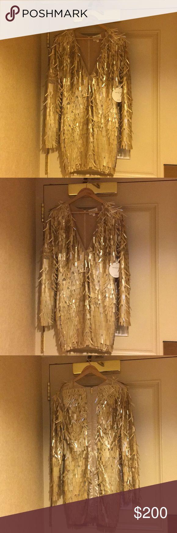 NEW Gold metallic sequin dress Never worn Mini gold sequin dress Dresses Mini