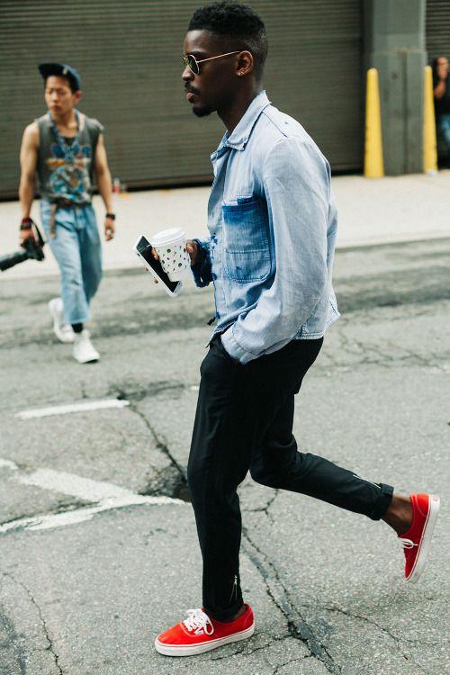 2015-09-11のファッションスナップ。着用アイテム・キーワードはサングラス, スニーカー, 黒パンツ, Gジャン・デニムジャケット,VANS(バンズ)etc. 理想の着こなし・コーディネートがきっとここに。| No:123832