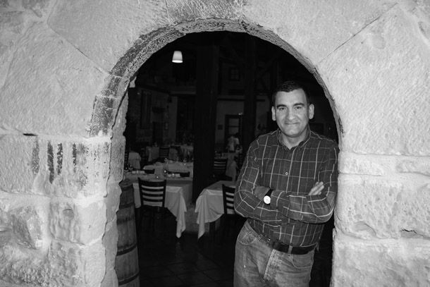 Ángel. La Vieja Bodega. http://www.spoonful.es/noticia/tendencias/ocio/'en-la-vieja-bodega-siempre-hemos-buscado-el-equilibrio-entre-lo-tradicional-y-la-innovacion'_20140408135005.html