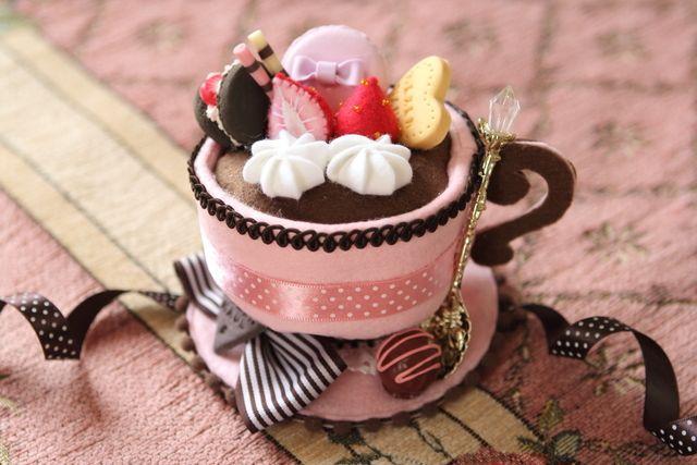 ティーカップミニハットピンクチョコ