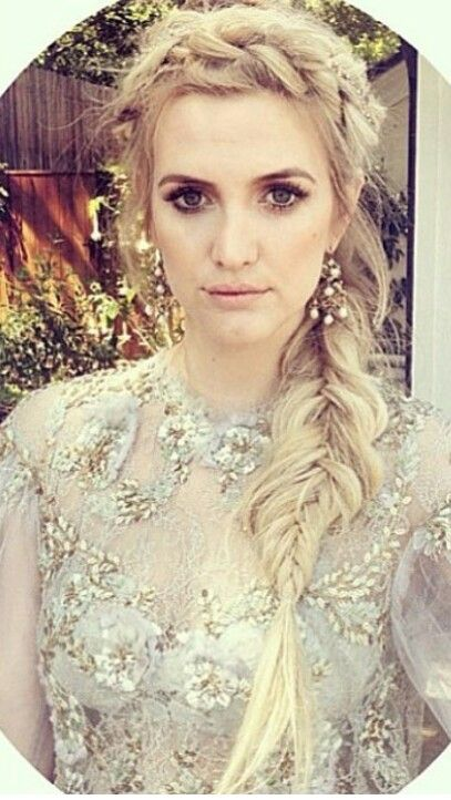 Ashlee Simpson fishtail braid