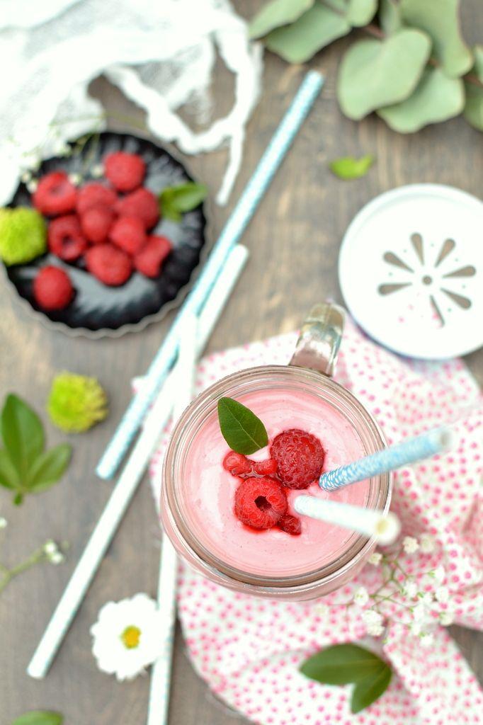 Smoothies gourmands et riches pour le petit-déjeuner http://www.lesrecettesdejuliette.fr