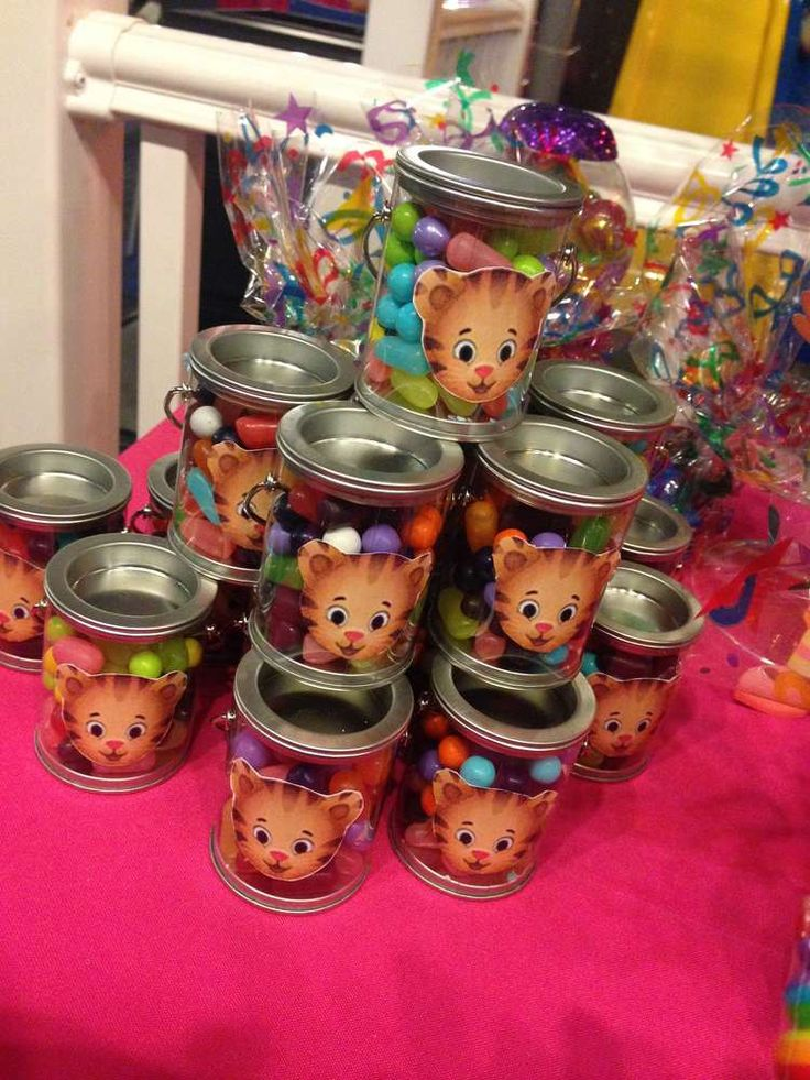Daniel Tigers Neighborhood Birthday Party Ideas | Photo 6 of 18 | Catch My Party