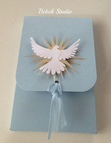 Caixa para dois macarrons e caixa com oração e tercinho para Batismo ou Primeira…