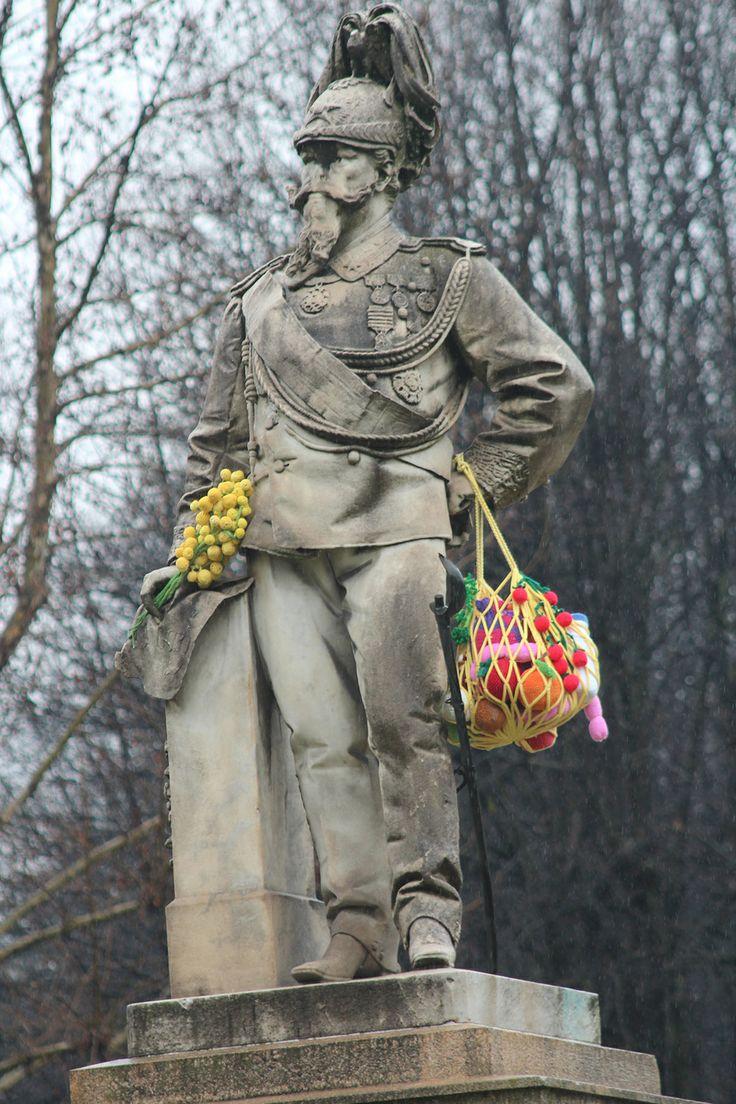 urban knitting 8 marzo 2013