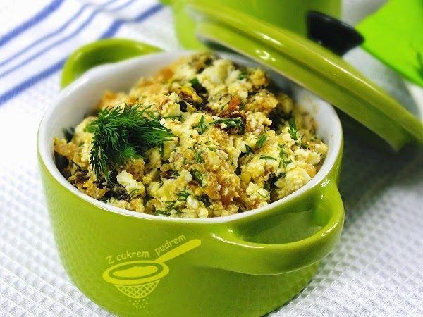 Bardzo lekka, zdrowa i szybka do wykonania pasta z łososiem w roli głównej.              100 gramów wędzonego łososia  2 jaja ugotowane na t...