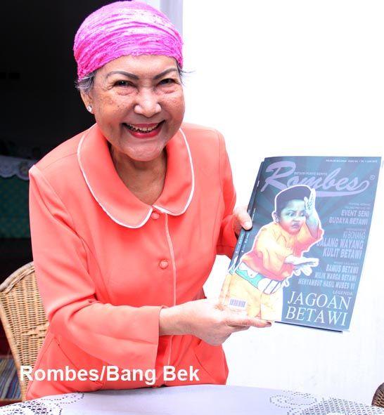 "Salah satu pejuang Trikora dan mendapat julukan ""Pending Emas"". Juga dikenal sebagai Herlina Kasim. Dilahirkan di Malang, Jawa Timur, pada 24 Februari 1941.Bersama para pejuang Trikora, dia dianugerahi tanda jasa oleh Presiden Sukarno. Dia menerima Pending Emas, sebuah ikat pinggang dari emas murni seberat 500 gram plus uang Rp. 10 juta. Tetapi semua hadiah itu ditolaknya karena katanya ""Saya berjuang untuk bangsa dan negara, bukan mencari hadiah."""