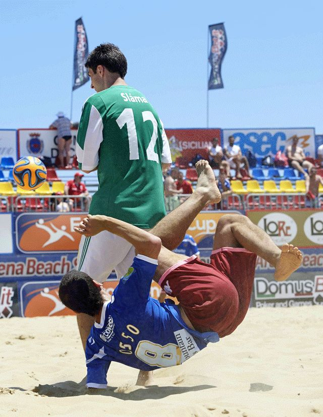 Contorsioni da Beach Soccer