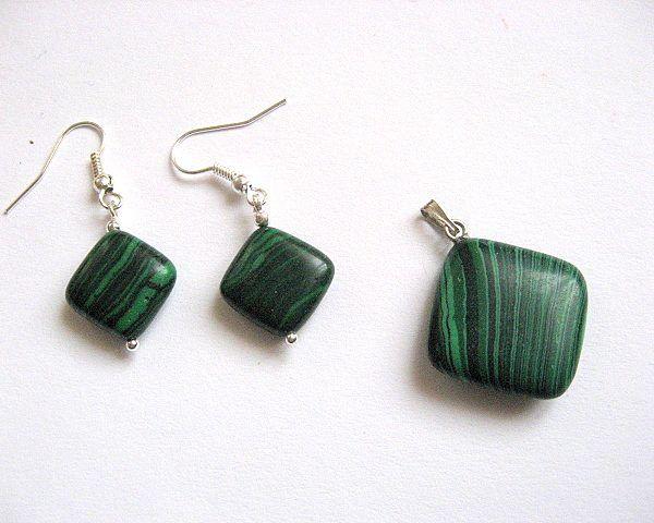 Pietre malachit verde cu negru pandant si cercei - idei cadouri femei - ocazie - pietre semipretioase