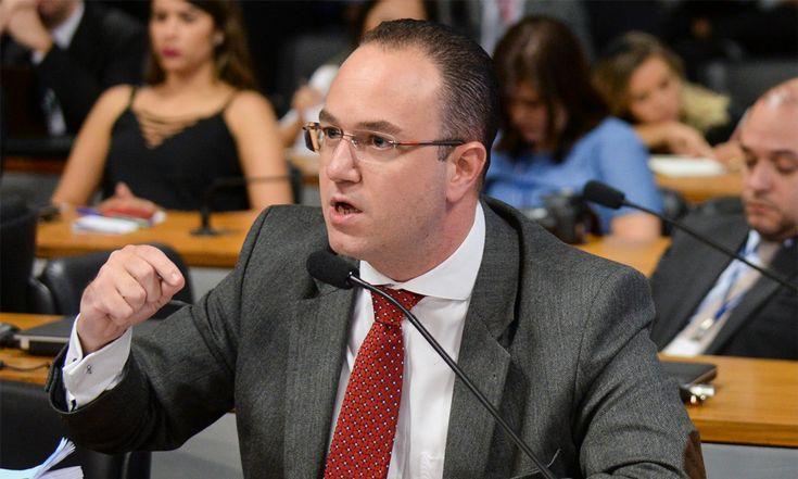 Quem é o advogado escolhido por Palocci para entregar o PT