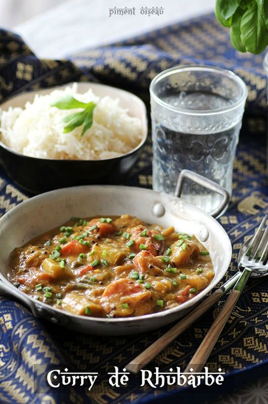 Curry de rhubarbe au lait de coco