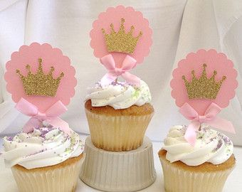 Invitaciones de cumpleaños de princesa oro y de color rosa