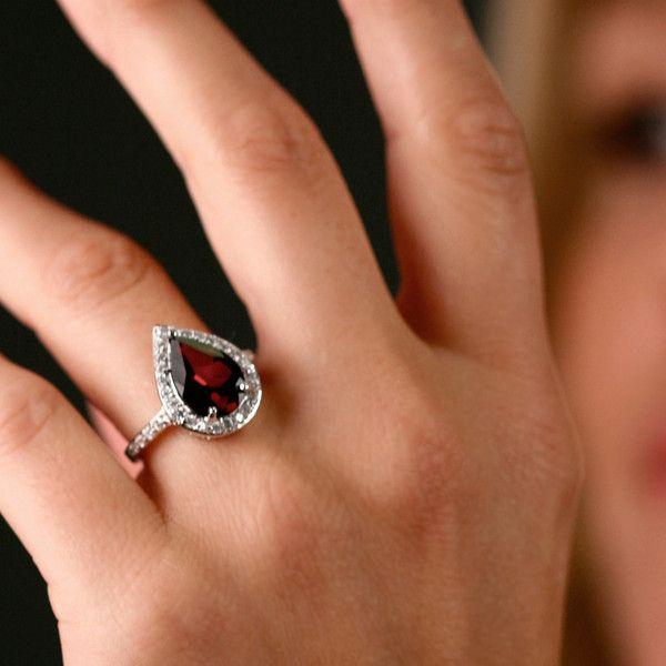 Sterling Silver 4-Carat Genuine Garnet Pear Ring