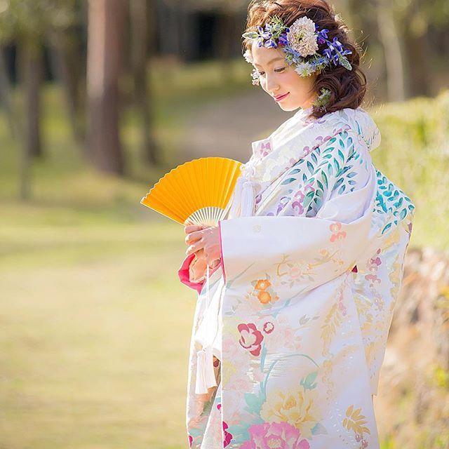 色とりどりな花が可憐に咲き誇る色打掛♡春に着たい色打掛参照♡