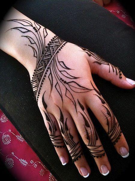 modern hand henna tattoos egodesigns tattoo inspiration pinterest. Black Bedroom Furniture Sets. Home Design Ideas
