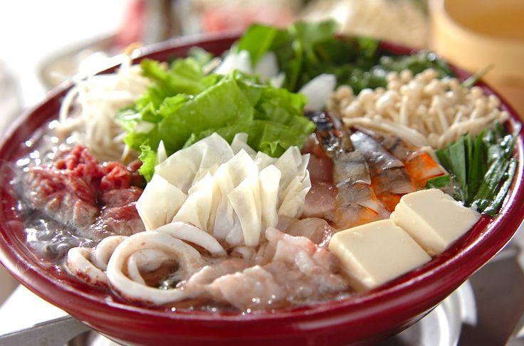 おうちで楽しめる本格エスニック鍋。ぜひお試しを!タイ風ちゃんこ鍋/橋本 敦子のレシピ。[エスニック料理/煮もの]2010.11.29公開のレシピです。