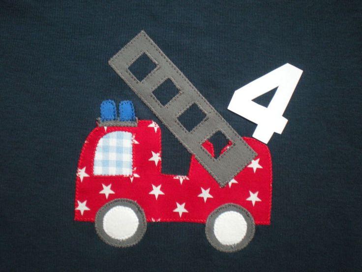 Das Feuerwehrauto appliziere ich auf ein Baumwoll-Shirt Deiner Wahl. Wenn Du auch eine Zahl wünscht, dann schreib mir auch welche Farbe sie haben s...