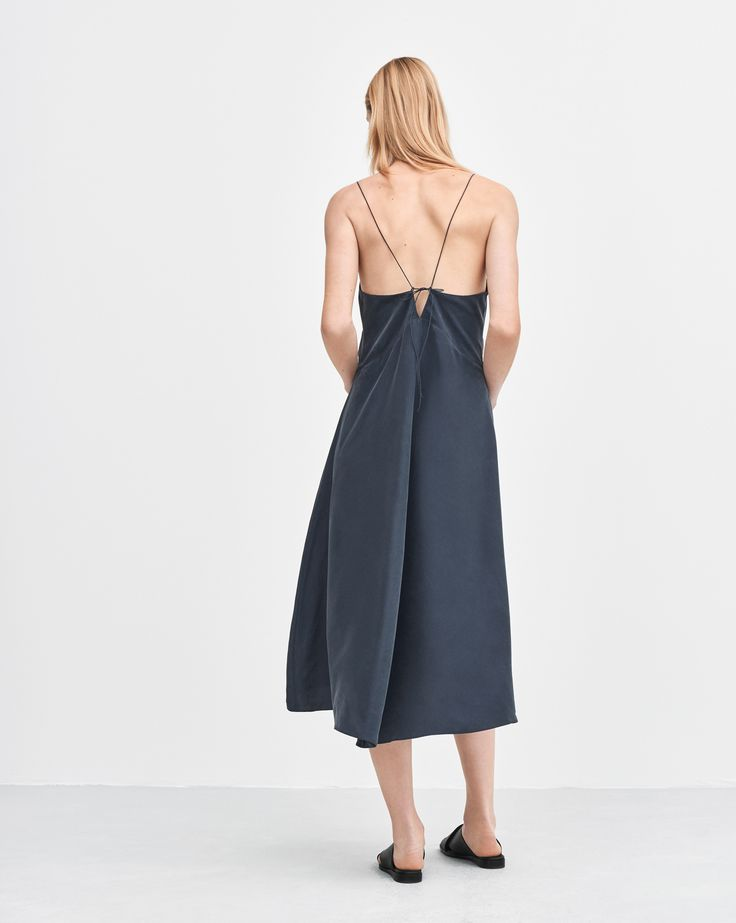 Mae Slip Dress Night - The slip dress in washed silk is the ideal piece for luxe simplicity.