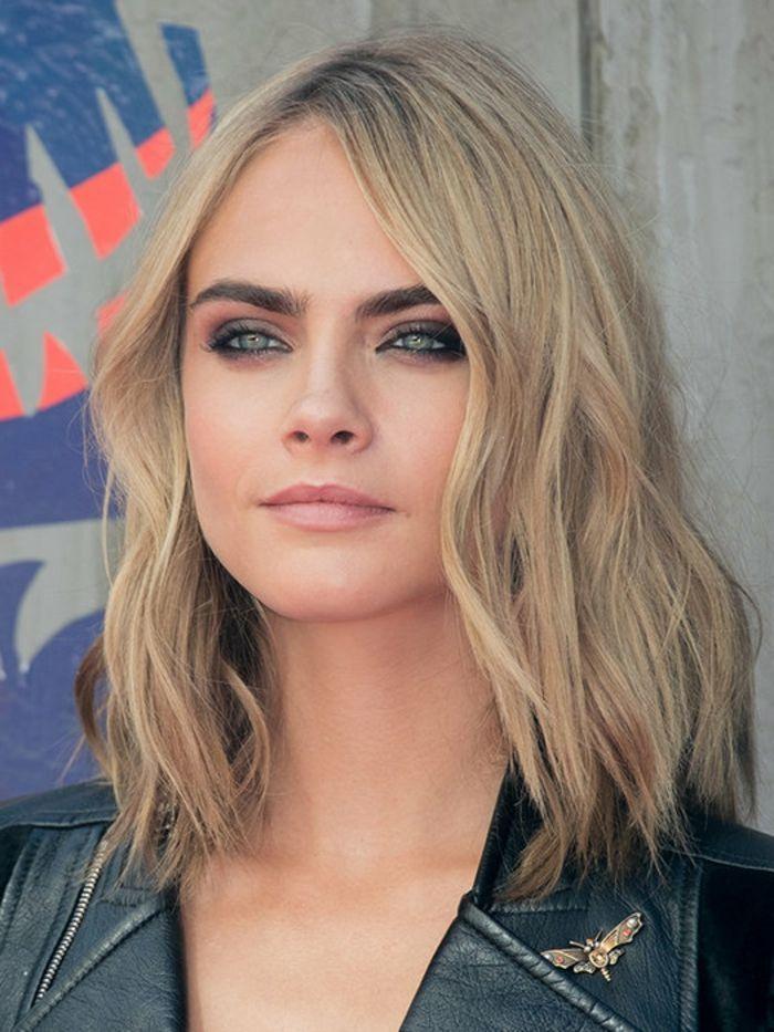 Frisuren Mit Volumenwelle Bilder In 2020 Frisuren Dunnes Haar Frisuren Feines Haar Mittelscheitel Frisuren