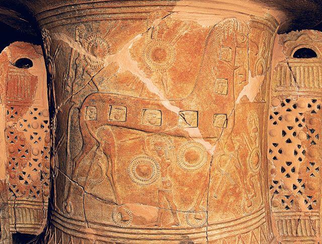 ΕΚΘΕΣΗ ΣΤΗΝ ΜΥΚΟΝΟ  Ένα αρχαίο πιθάρι αφηγείται την άλωση της Τροίας   Στα…