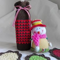 Made this for Last Chrismast gift ^^ . A crochet bottle bag