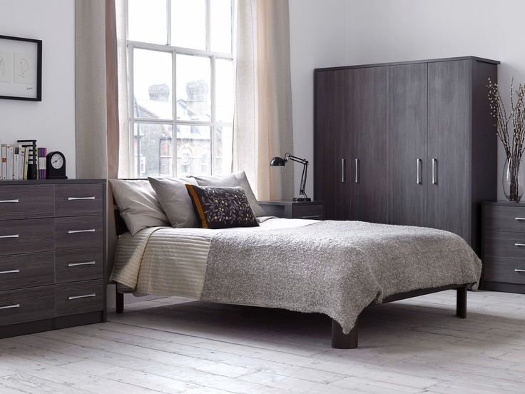Grey Bedroom Furniture Set And Grey Color Interior Decor For Your Bedroom Design Ideas