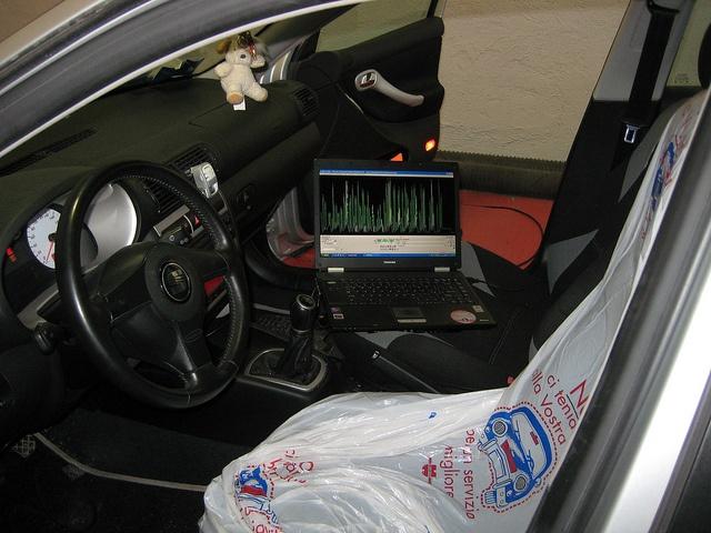 Mappatura in seriale Seat Leon 1900 tdi 130cv.    Mappatura Centralina, frizione rinforzata Sachs Racing, volano monomassa alleggerito in acciaio, filtro aria con presa dinamica.