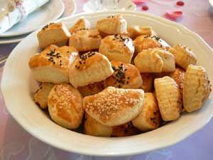 Tuzlu Pastane Kurabiyesi Tarifi - Resimli Kolay Yemek Tarifleri