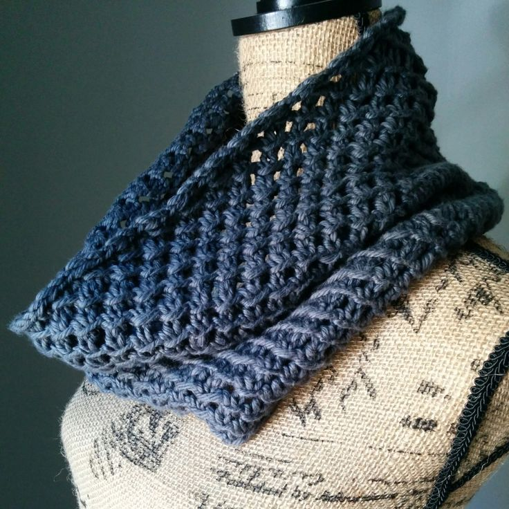 1000+ ideas about Knit Cowl Patterns on Pinterest Knit Cowl, Cowls and Knit...