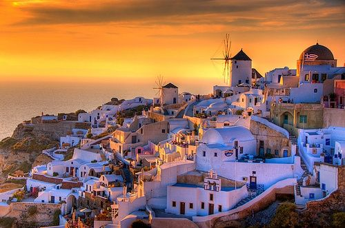 Another beautiful pictures of Santorini.  I love the all-white architecture.