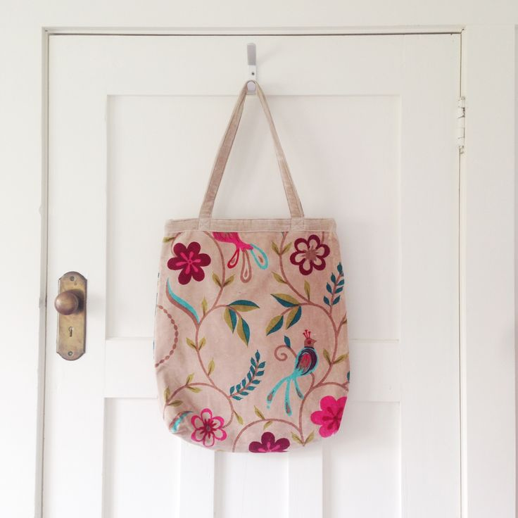 Songbird Tote. Tropical flowers and songbirds in shades of Pink and Aqua. www.rosaliving.co.nz
