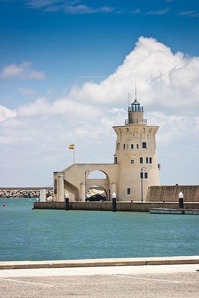 Faro Puerto Sherry (  Cadiz ), Bandera de España @Puertosherry