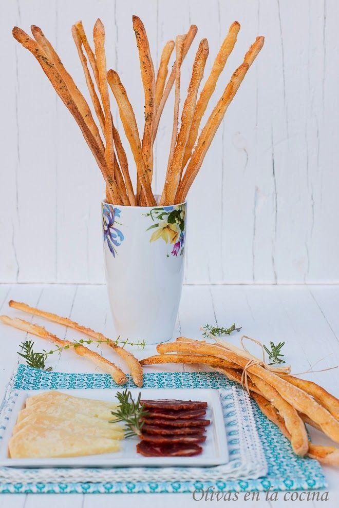 Grissini: deliciosos palitos de pan de origen italiano, muy sencillos de preparar. Ideales para el picoteo. Olivas en la cocina