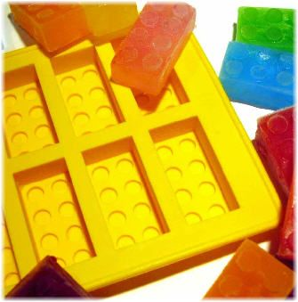 Lego ice cube trays, so much fun. Someone needs to make Lego Popsicle trays too!