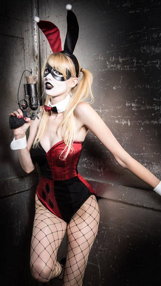 Harley Quinn bunny cosplay