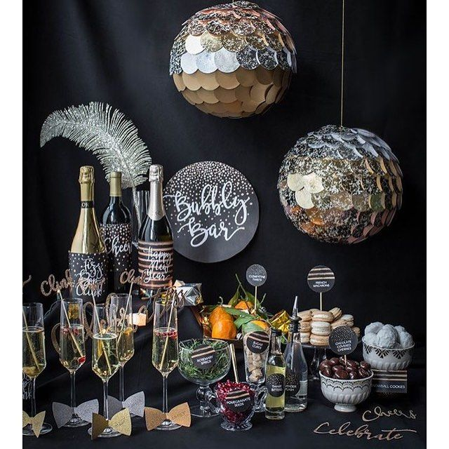 Set the stage for the New Year with a Bubble Bar. Give your guest a head start to the bubbly fun and their sparkling success in the new year. To add to the experience, change out the edible (fruits, candy, purées ) accents every hour. #newyearseve #newyears2017 #partyplanning #eventplanning #eventdetails #sparkles #champagne  #champagnebar #seizetheday #seizetheyear #seizethedaysin2017 #eventbar