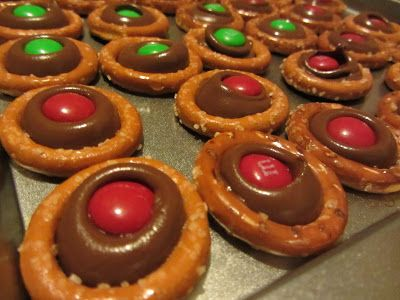 Christmas cookies that kids can actually make themselves.  (My 3-year-old did it from start to finish.) Great teacher gifts for school teacher or Sunday School teacher.  The Unlikely Homeschool