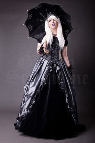Gothic Fairytale Ensemble. http://www.galleryserpentine.com/collections/alternative-bridal-formal