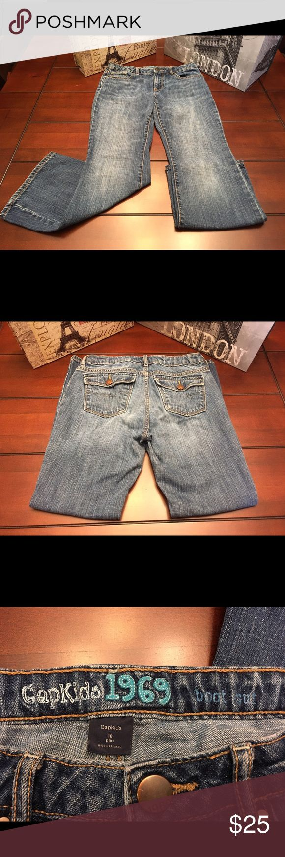 Gap Boot Cut Jeans, Size 10 Plus Gap Boot Cut Jeans, Size 10 Plus  Medium blue wash and in great condition. ☺ Inseam is 23.5 inches, leg opening is 8 inches, waist measures 26 inches. GAP Bottoms Jeans