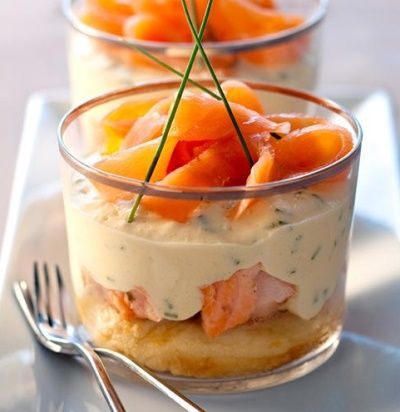 verrine-aperitif-tiramisu-saumon. There is no recipe however I would layer with chive pancake, salmon and coriander and lime mayo.