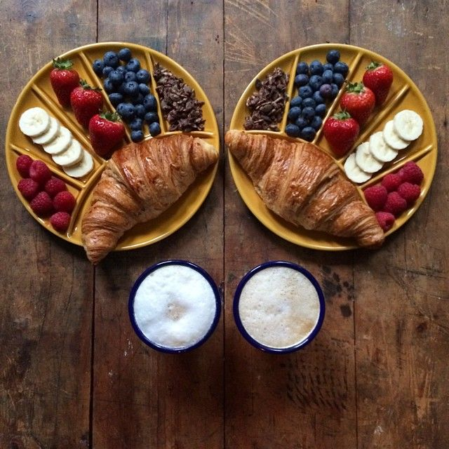 Symmetry Breakfast (Instagram) by Michael Zee and Mark van Beek