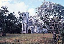 Iglesia de Kolonia, en la isla de Pohnpei, vestigio de la presencia española. Foto tomada en 1973.